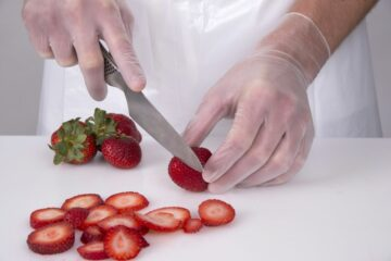 Prepfit Vinyl Gloves, cutting strawberry
